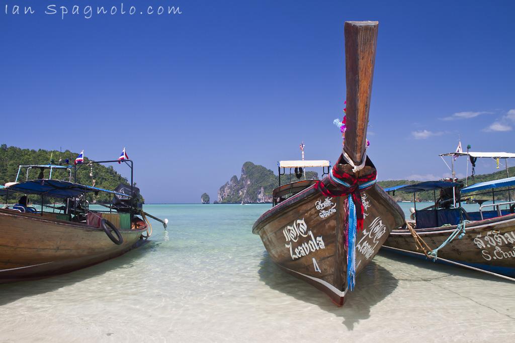 Loh Dalam Bay Zeavola 4 Long Tail Boat