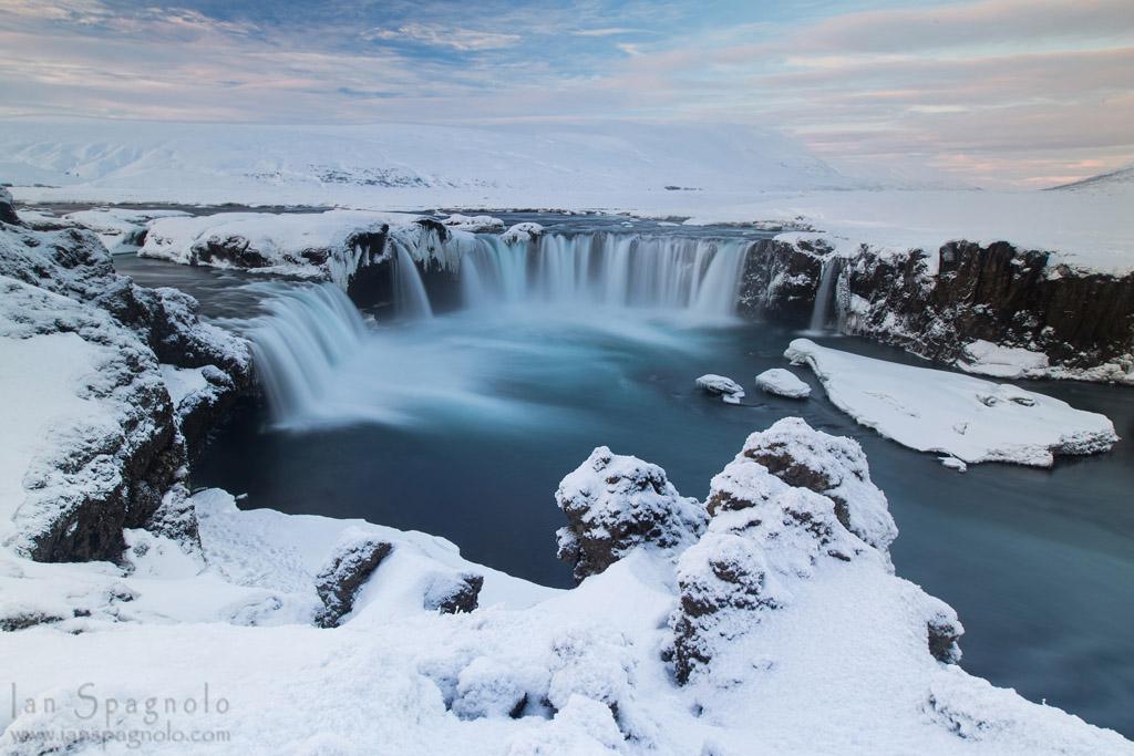 Goðafoss Godafoss - Waterfall of the Gods